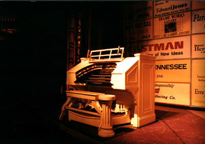 Click here to download a 3367 x 2374 JPG image showing the 3/11 Mighty Kimball/WurliTzer Theatre Pipe Organ on the stage at the Paramount Center for the Arts in Bristol, Tennessee.