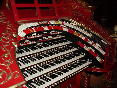 Click here to download a 1600 x 1200 JPG image of Big Bertha, the 4/28 Mighty WurliTzer Theatre Pipe Organ installed at the Alabama Theatre in Birmingham, Alabama.