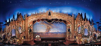 Click here to visit the official website of the Civic Civic Theatre in downtown Akron, Ohio.