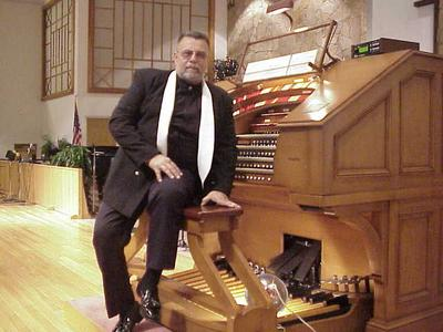 Click here to download a 640 x 480 JPG image of Chaz Bender at the console of the J. Tyson Forker Memorial 4/32 Mighty WurliTzer Theatre Pipe Organ installed at Crace Baptist Church in Sarasota, Florida.