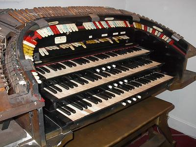 Click here to download a 1600 x 1200 JPG image showing the Kilgen console before restoration began.