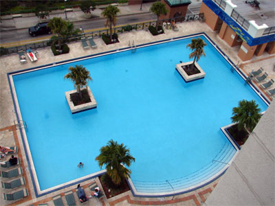 Click here to download a 2592 x 1944 JPG image showing the hotel swimming pool as viewed from a thirteenth floor  window.