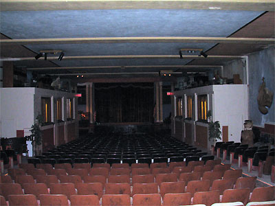 Click here to download a 2592 x 1944 JPG image showing the auditorium of the Granada Theatre in Bakersfield, California.