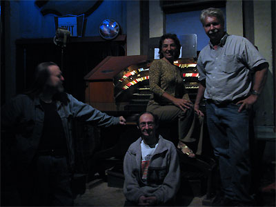 Click here to download a 2592 x 1944 JPG image showing some of the conventioneers posing in front of the console of the 4/24 Mighty WurliTzer Theatre Pipe Organ.