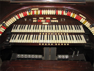 Click here to download a 2592 x 1944 JPG image showing the stop sweep of the 2/9 Style F Mighty WurliTzer Theatre Pipe Organ installed at the Granada Theatre.