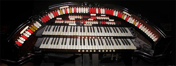 Click here to download a 6141 x 2311 JPG image showing the San Bernardino 2/10 Mighty WurliTzer Style 216 Console stop sweep.