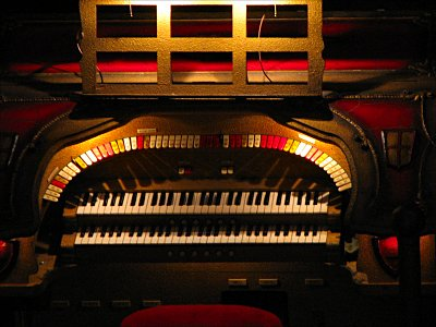 Click here to download a 1547 x 1145 JPG image showing the stop sweep of the 2/7 Grande Barton Theatre Pipe Organ installed at the Ironwood Theatre in Ironwood, Michigan.