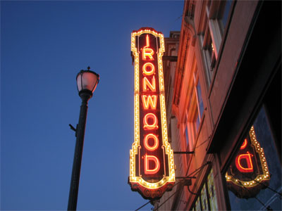 Click here to download a 1600 x 1200 JPG image showing the marquee of the the Ironwood Theatre in Ironwood, Michigan.