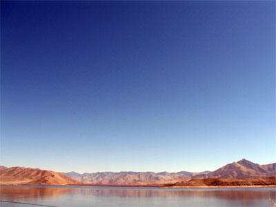 Click here to download a 2592 x 1944 JPG image showing Lake Isabella from the top of the Mountain on the way into town.