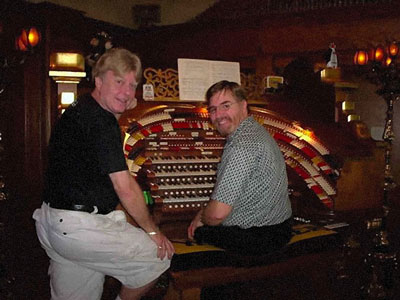 Click here to dowload a 676 x 507 JPG image showing Jim Henry (seated) and John Ledwon at the Agoura House 4/52 WorliTzer Theatre Pipe Organ.