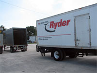 Click here to download a 2592 x 1944 JPG image shoving the Ryder truck docking with the trailer at ABF in Tampa.