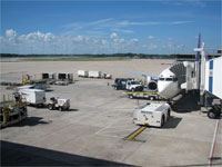 Click here to download a 2592 x 1944 JPG image shoving the gateway extended and ready for passengers to board the aircraft.