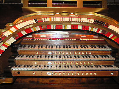 Click here to download a 3648 x 2736 JPG image showing the plaYING TABLE of the 3/12 Mighty WurliTzer Theatre Pipe Organ installed at the Paramount Theatre in Middletown, New York.