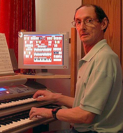Russ Ashworth and his Mighty MidiTzer - playing the Rialto WurliTzer Virtually every day!