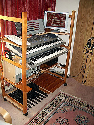 Download a 600 x 800 JPG image of Russ Ashworth's Mighty MidiTzer workspace, second version.