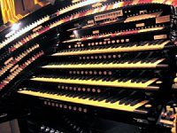 Click here to see the 4/58 Mighty WurliTzer installed at the Radio City Music Hall in NYC, New York.