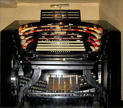 Click here to download a 1459 x 1279 JPG image showing the stage left console of the 4/58 Mighty WurliTzer.