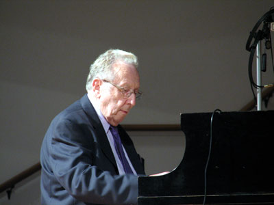 Click here to download a 2592 x 1944 JPG image showing Ralph Wolf at the Steinway Concert Grand Piano at Grace Baptist Church.
