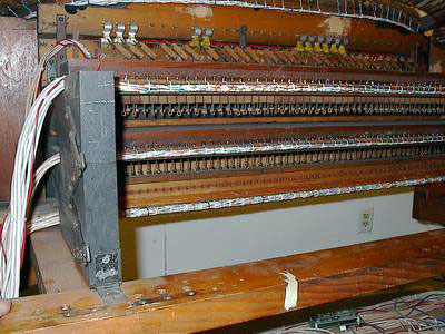 Click here to download a 1600 x 1200 JPG image showing the back of the organ with new wiring throughout.