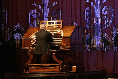 Jim Riggs at the Paramount Theatre Mighty WurliTzer in Oakland, California.