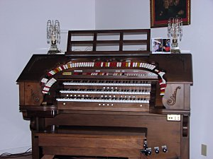 Click here to learn more about the Mighty 340 Custom Rodgers Analogue Electronic Theatre Organ installed at the Residence in Meridian, Mississippi.