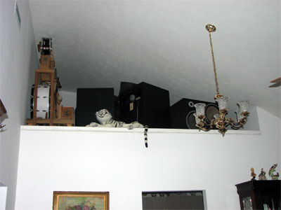 Click here to download a 2272 x 1704 JPG image showing some of the loudspeakers and toys.