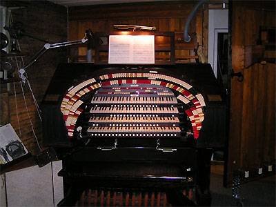 Click here to download a 800 x 600 JPG image showing one of the club members' VTPOconsole.