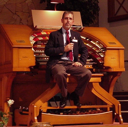 Click here to visit Tom Hoehns home page on the internet. Here, we see Tom Hoehn in concert at the Mighty J. Tyson Forker Memorial 4/32 Mighty WurliTzer Theatre Pipe Organ at Grace Baptist Church in Sarasota, Florida.