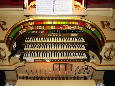 Click here to download a 2816 x 2112 JPG image showing the keydesk of the 3/10 Mighty Möller Theatre Pipe Organ installed at the  Rylander Theatre  in Americus, Georgia.