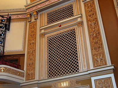 Click here to download a 2816 x 2112 JPG image showing the Solo chamber grillwork.