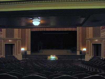 Click here to download a 2816 x 2112 JPG image showing the stage of the auditorium.