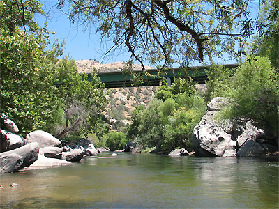 Click here to download a 1600 x 1200 wallpaper sized JPG image showing the Black Gulch Bridge as seen from the bank of Black Gulch Creek in the Kern River Valley, California.