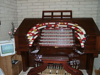 Click here to see the 5/36 Mighty WurliTzer Theatre Pipe Organ installed at the Brown Residence in Phoenix, Arizona.