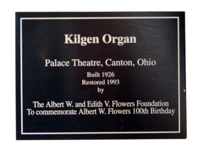 Click here to download a 2592 x 1944 JPG image showing the dedication plaque of the 3/11 Mighty Kilgen Theatre Pipe Organ.