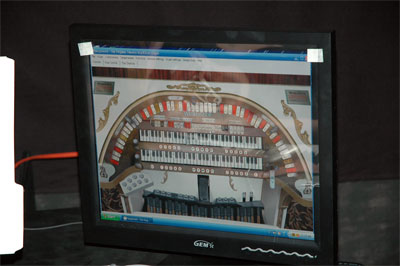 Click here to download a 1504 x 1000 JPG image of the LCD monitor on the organ computer showing the Hauptwerk 2 stop sweep screen.