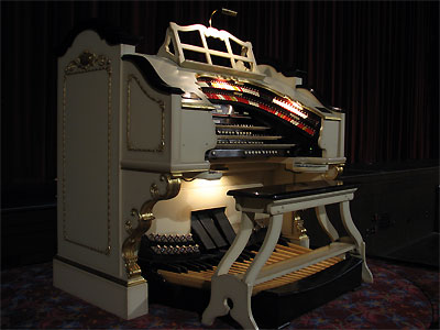 Click here to download a 2592 x 1944 JPG image showing the console of the Civic Theatre's 3/19 Mighty WurliTzer Theatre Pipe Organ.