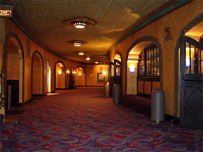 Click here to download a 2592 x 1944 JPG image showing the hallway entrances to the auditorium of the theatre.