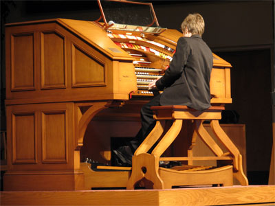 Click here to download a 2592 x 1944 JPG image showing David Grtay at the console of the J. Tyson Forker Memorial 4/32 Mighty WurliTzer.