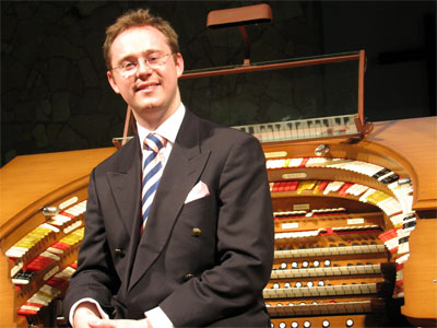 Click here to download a 2592 x 1944 JPG image showing Richard Hills posing at the console for Publicity Shots.