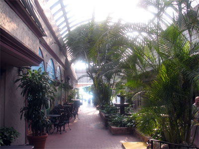 Click here to download a 2592 x 1944 JPG image showing the atrium of Michael's East Restaurant.