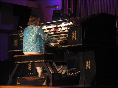 Click here to download a 2592 x 1944 JPG image showing Donna Parker at the console of the Grand Duchess.