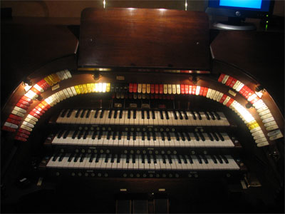 Click here to download a 2592 x 1944 JPG image showing stop sweep of the Mighty 3/11 Robert-Morton Theatre Pipe Organ installed at the Polk Theatre in Lakeland.