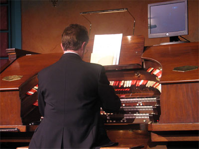 Click here to download a 2592 x 1944 JPG image showing Clark Wilson at the console of the Mighty Robert Morton.
