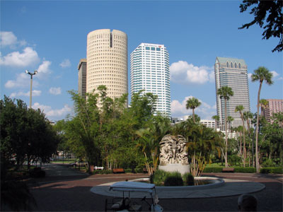 Click here to download a 2592 x 1944 JPG image showing the skyline of Tampa from the front steps of Plant Hall.