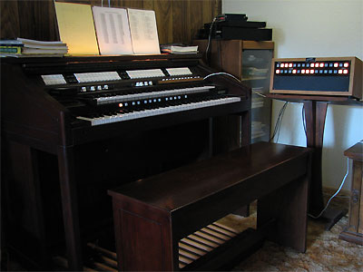Click here to download a 2592 x 1944 JPG image showing the Mighty Rodgers/Artisan organ installed at Cyrus Roton's residence.