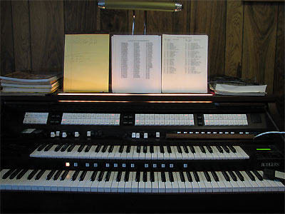 Click here to download a 2592 x 1944 JPG image showing the stop sweep of the Mighty Rodgers/Artisan organ.