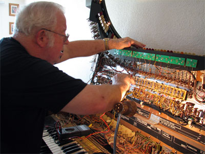 Click here to download a 2592 x 1944 JPG image showing Cyrus Roton working on the Conn 650 Theatre Organ.