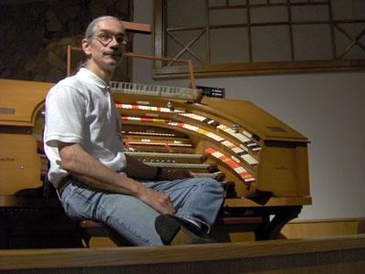 Click here to download a 2048 x 1536 JPG image of the Bone Doctor at the J. Tyson Forker Memorial 4/32 Mighty WurliTzer Theatre Pipe Organ installed at Grace Baptist Church in Sarasota, Florida.