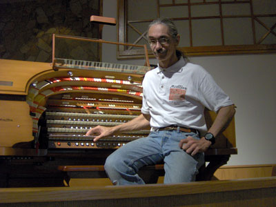 Click here to download a 2592 x 1944 JPG image showing the Bone Doctor posing for a publicity shot at the console of the J. Tyson Forker Memorial 4/23 Mighty WurliTzer Theatre Pipe Organ installed at Grace Baptist Church in Sarasota, Florida. Photo by Tom Hoehn.