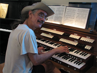 Click here to download a 2592 x 1944 JPG image showing the Bone Doctor at the console of the Rodgers 755 Digital Church Organ.